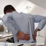 5 exercices à faire pour prévenir le mal de dos au bureau