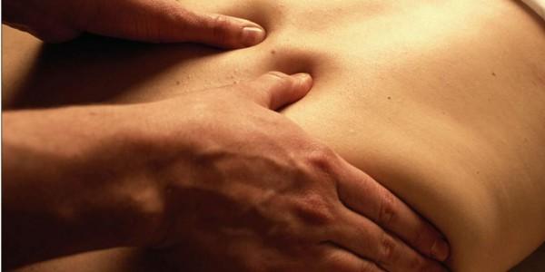 4 accessoires et astuces pour soulager le mal de dos rapidement